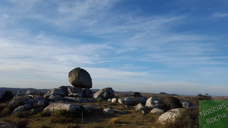 piedra cerro de la bolita