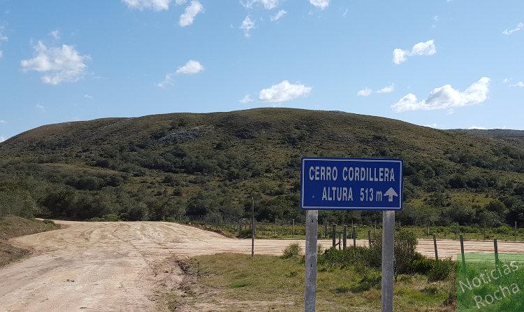 cartel cerro catedral 513