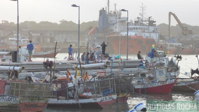 nuevo muelle para barcas de pesca artesanal
