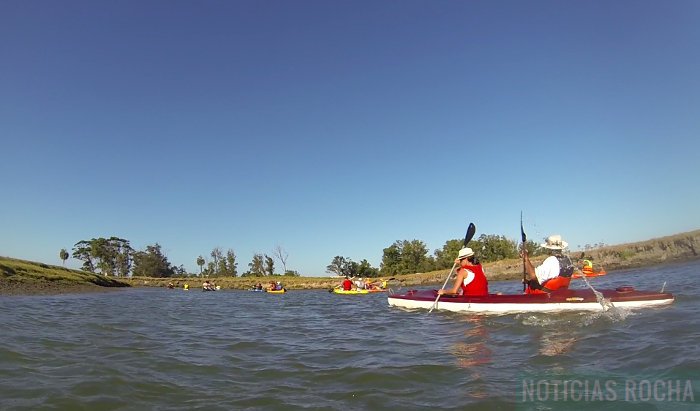 kayaks rumbo al monte de ombues